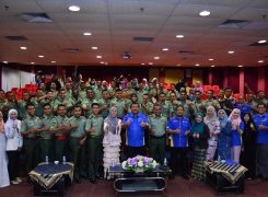 CLOSING CEREMONY ENGLISH COURSE WITH MALAYSIAN ARMY PERSONNEL, SUNGAI LAYAR CAMP, SG.  PETANI